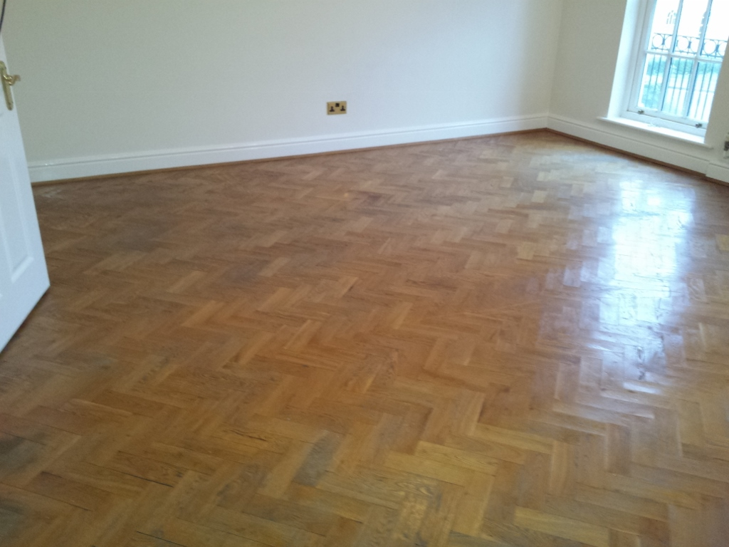 Wooden flooring oxfordshire thefloors co for Wood floor refurbishment