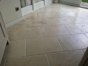 travertine stone cleaning brackley from floorrestoreoxford.co.uk